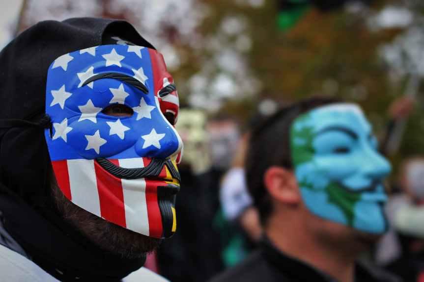 Unas 3.000 personas protestan en Ámsterdam por el asesinato de GeorgeFloyd