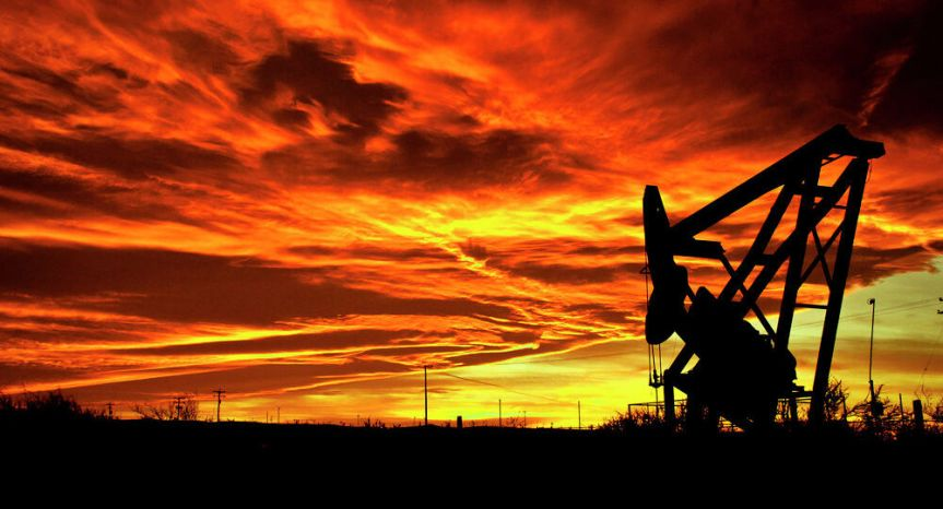 Trump firma orden para permitir exportaciones de crudo de Texas aMéxico