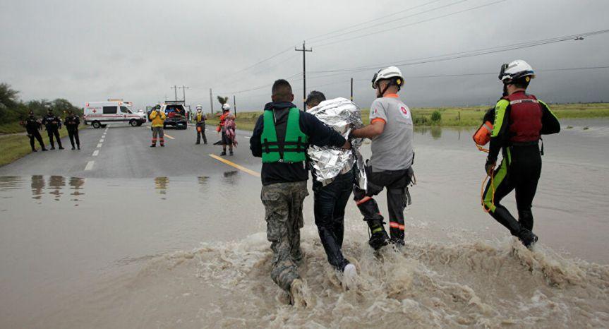 Ciclón Hanna causa al menos dos muertos en su paso porMéxico