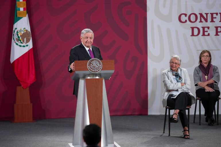 Presidente de México dice que exdirector de Pemex tendrá consideraciones comotestigo