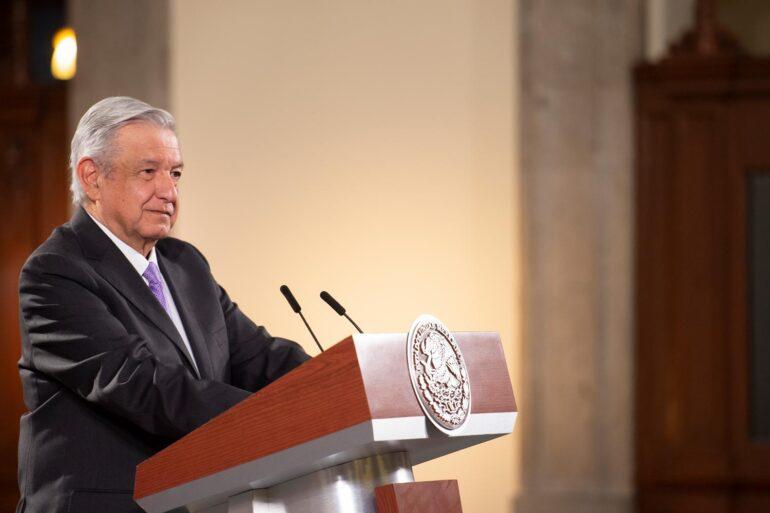 """Presidente de México relativiza caída de la economía y dice que """"ya pasó lopeor"""""""