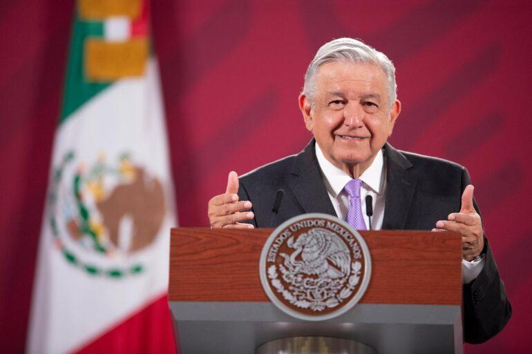 Empresario le devolverá al Gobierno de México $200 millones por sobreprecios, diceAMLO
