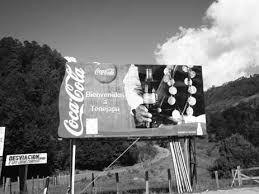 Coca-Cola brinda por todos en pandemia, pero en México es enemiga pública otravez