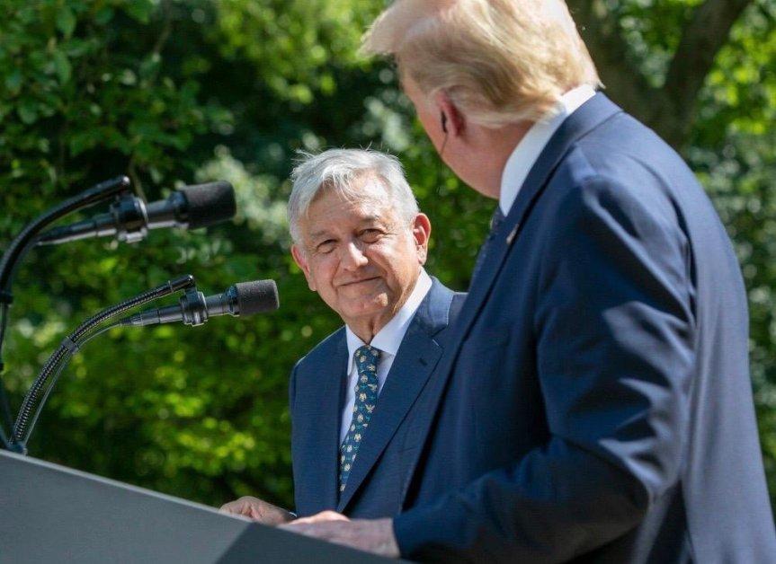 """López Obrador dice que fallaron pronósticos de una pelea con su """"amigo"""" Trump"""