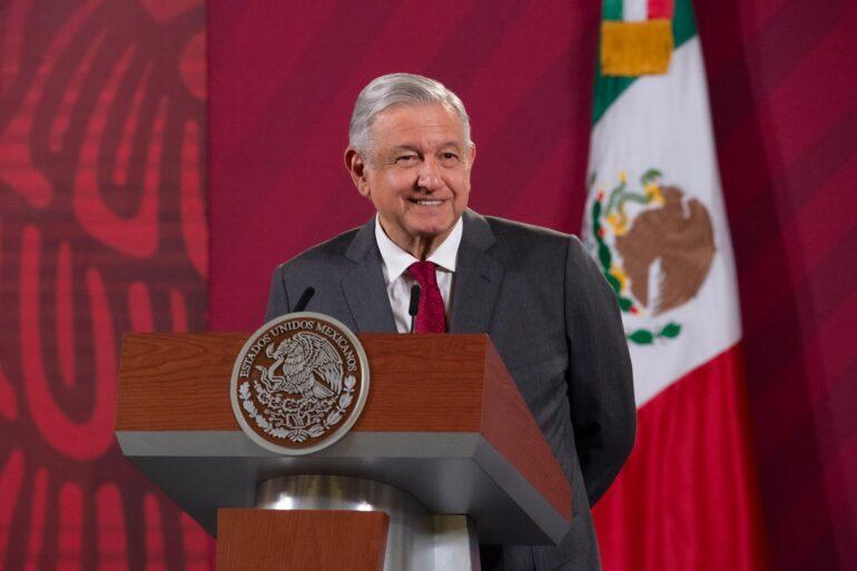 Presidente mexicano lanza polémica campaña por su informe anual alCongreso