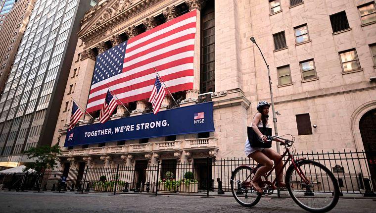 Economía de Estados Unidos se derrumbó 31.7% en el segundotrimestre