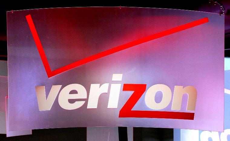 América Móvil vende su empresa de prepago en EU, TracFone aVerizon