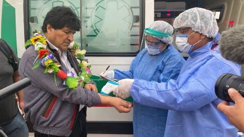 Morales retorna triunfante a Bolivia, celebra fracaso degolpe
