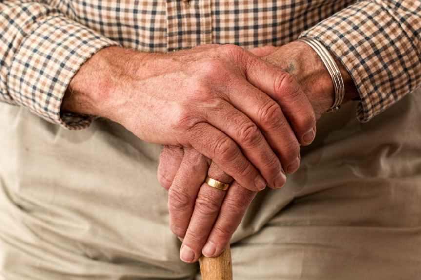 Tope a pensiones en UMA, clara afectación a jubilados:especialistas