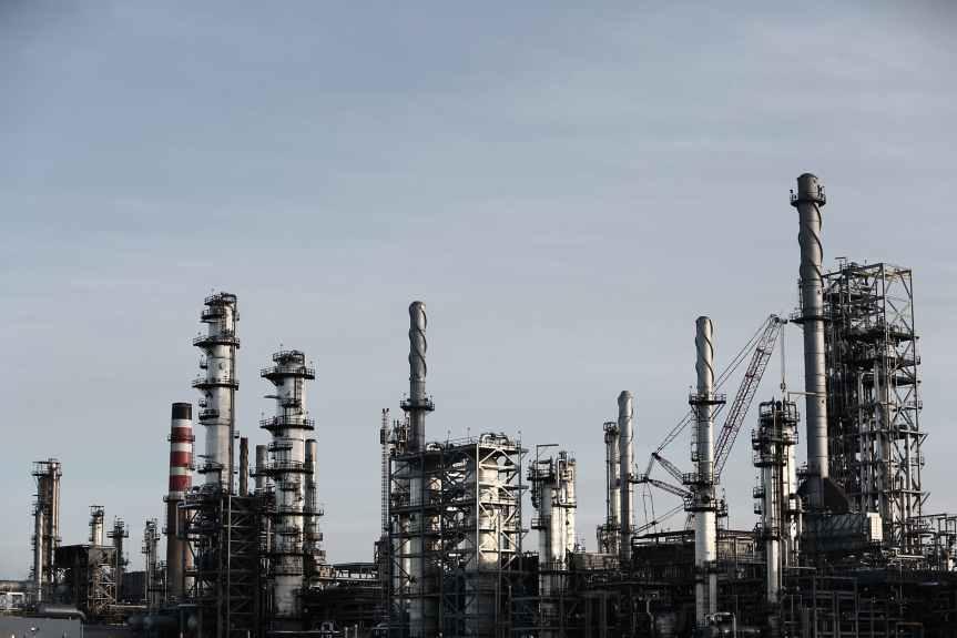 Se analiza reforma en sector de hidrocarburos:Monreal