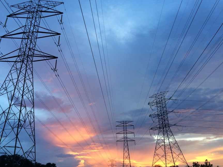 'Cascada' de suspensiones en LeyEléctrica