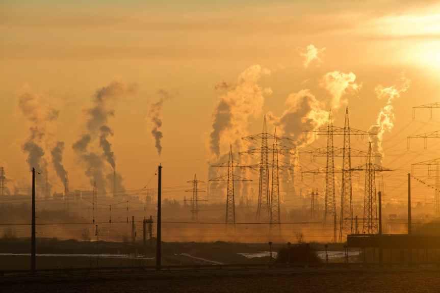 Impugnar Ley de la Industria Eléctrica tiene complicaciones; amparos pueden fracasar:especialistas