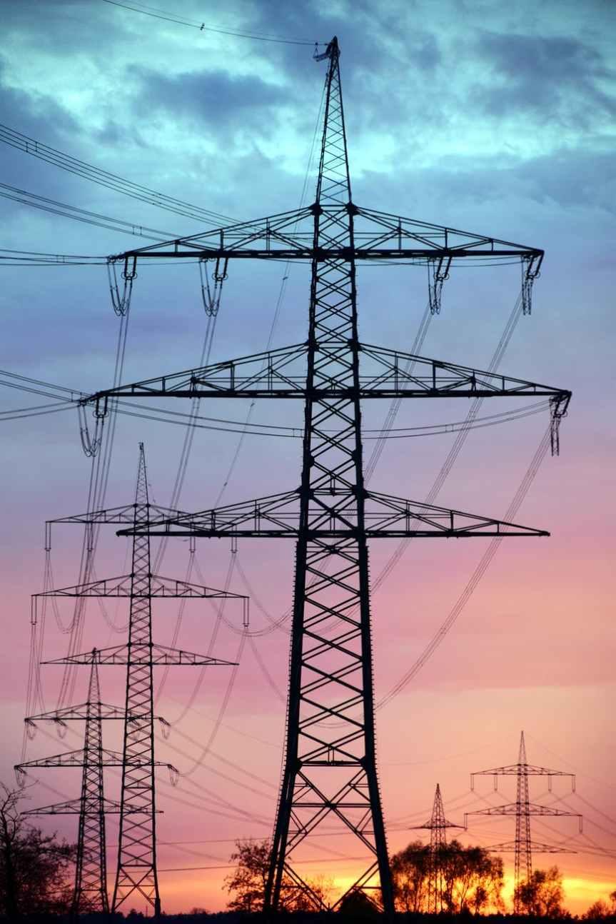 Cofece interpone controversia constitucional contra la reforma eléctrica deAMLO