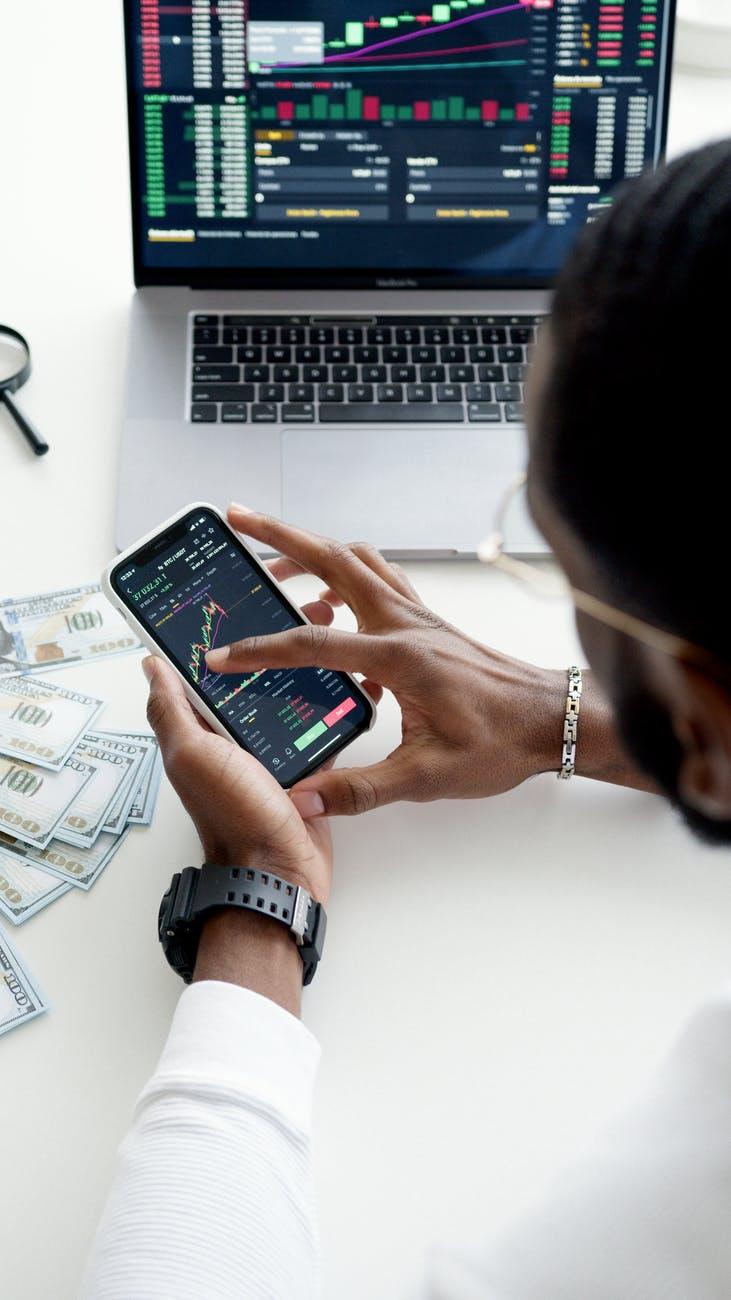 Acceso a servicios financieros digitales es imperativo: Banco deMéxico