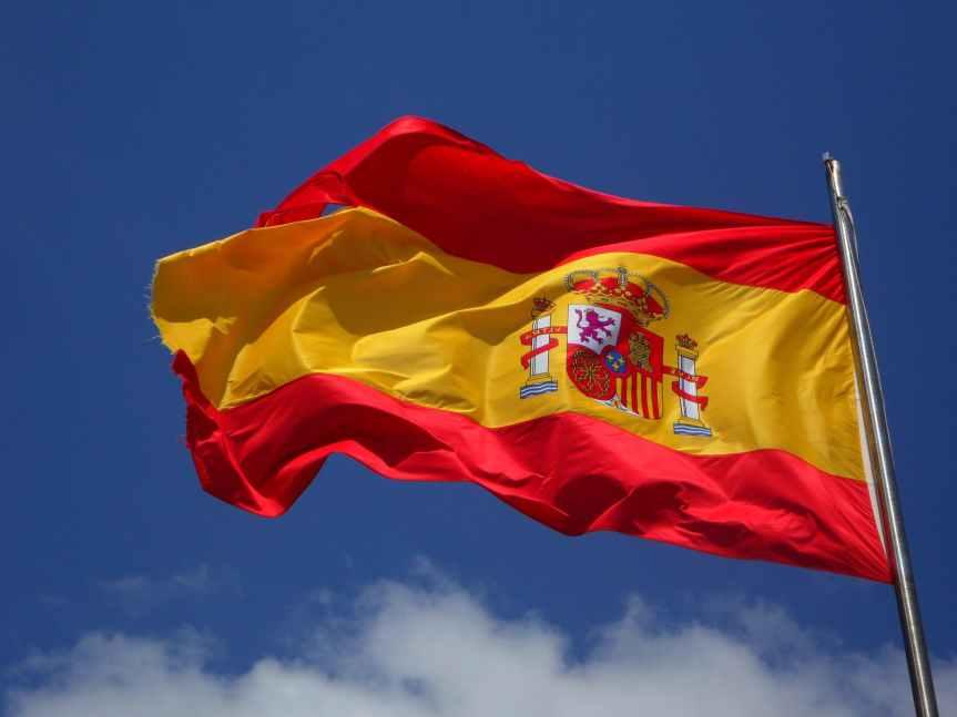 Ingresos de operadores en España bajan, pero sigue expansión de la fibraóptica