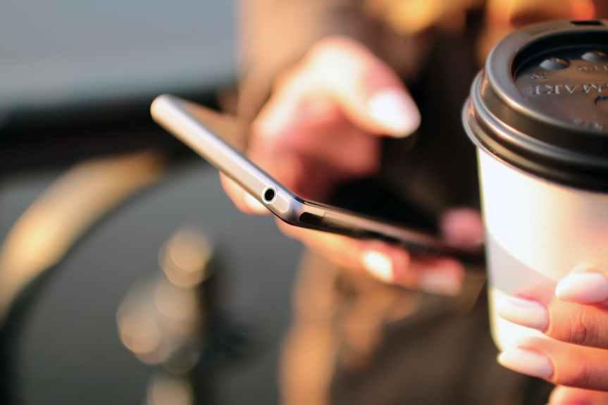 ¿El padrón de telefonía móvil viola la Constitución? Expertos señalan quesí