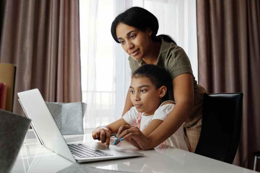 TENDENCIAS_Advierten riesgos en niños por mayor uso deinternet