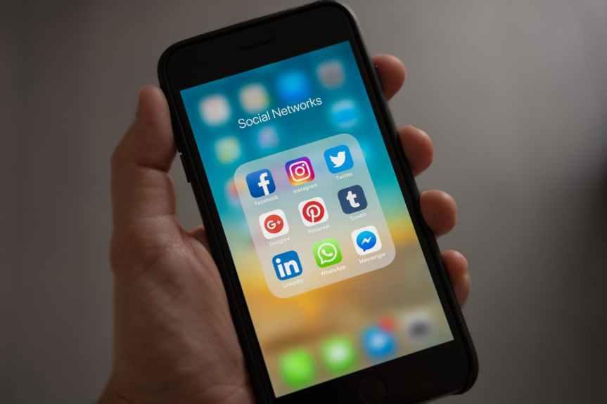 Chocan instituto electoral y Morena en redessociales
