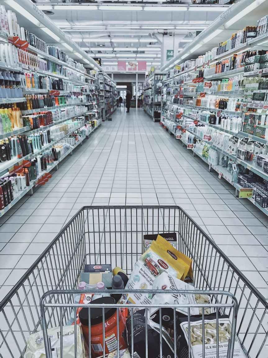 Ancianos piden a AMLO que interceda ante Walmart para recobrarempleos