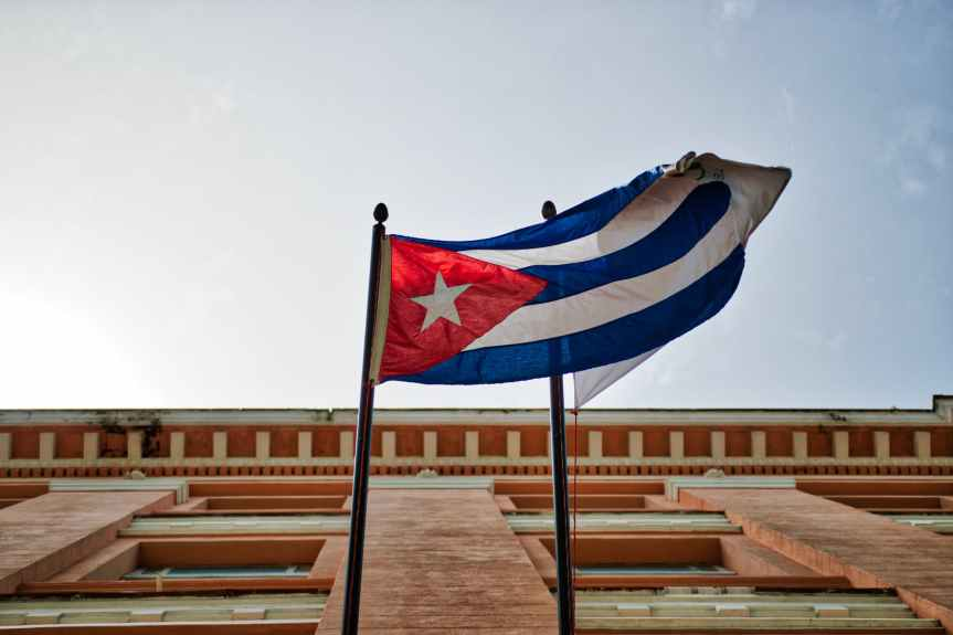 El bloqueo de EU impide el libre acceso a Internet a los cubanos:canciller