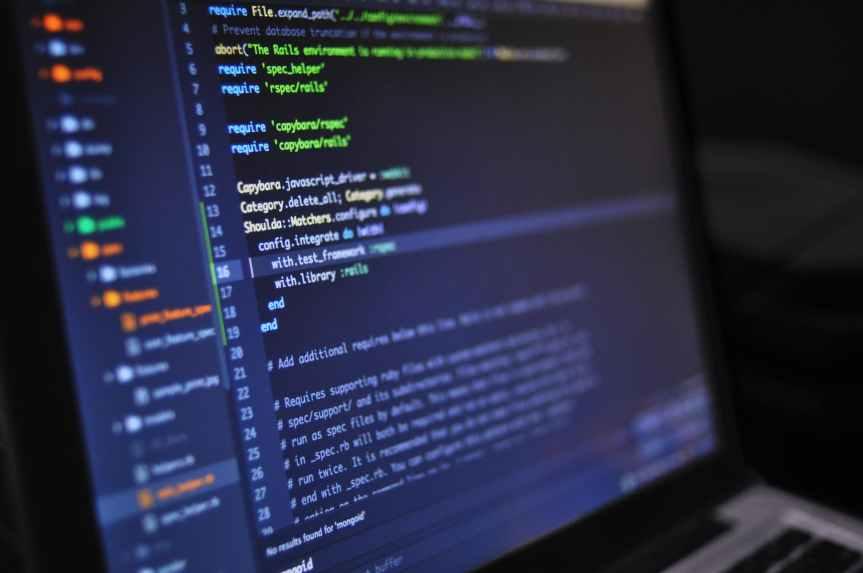 ACTUALIDAD_ El 40% del tráfico de internet no es humano, sino que se genera por 'máquinas que hablan entre sí', según el presidente deTelefónica