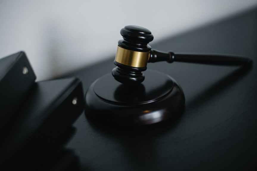 Juez otorga suspensión a empresa de EU que impugnó reforma aloutsourcing