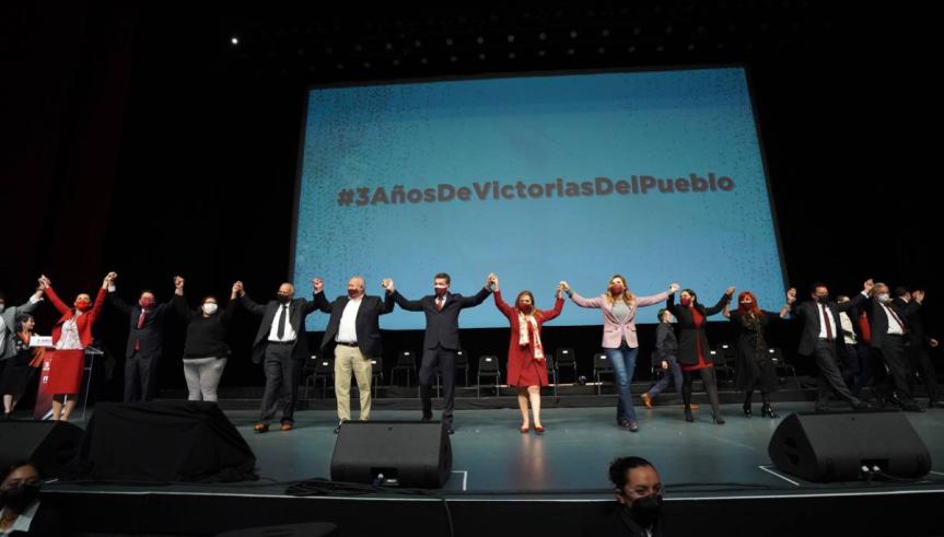Morenistas 'destapan' a Sheinbaum al grito de '¡presidenta!'; Delgado se vaabucheado