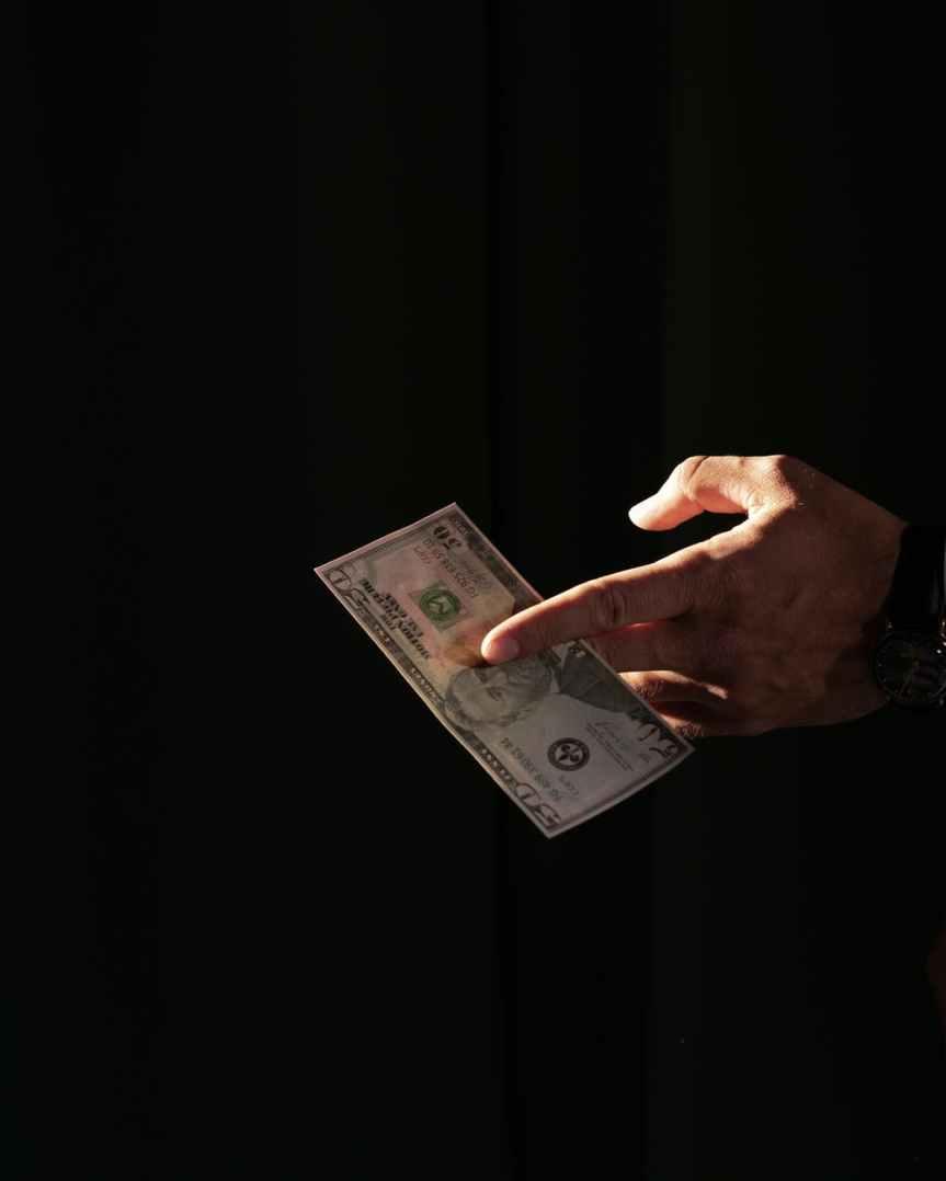 Envío de remesas a México crece 25% en abril a 4.439 millones dedólares